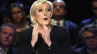 """Marine Le Pen, le 4 avril 2017, à La Plaine-Saint-Denis (Seine-Saint-Denis), lors du """"Grand Débat"""" entre les onze candidats. (LIONEL BONAVENTURE / AFP)"""