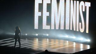 La chanteuse Beyoncé, sur la scène des MTV Video Music Awards, en Californie, le 24 août 2014. (PAT BENIC / NEWSCOM / SIPA)