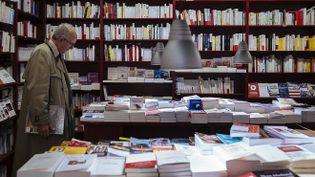 """Dans une librairie.Désormais, il est préconisé d'employer le terme """"prête-plume"""" pour désigner la fonction ou le métier d'écrivain de substitution. (DENIS MEYER / HANS LUCAS)"""
