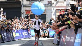 François d'Haene s'est imposé au terme de 20 h 45 min 49 sec de course dansl'Ultra-Trail du Mont-Blanc. (OLIVIER CHASSIGNOLE / AFP)