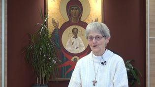 Sœur Bernadette Moriau raconte les conditions de sa guérison dans une vidéo publiée, dimanche 11 février, sur Youtube. (YOUTUBE)