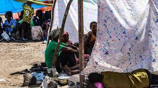 Des Ethiopiens qui ont quitté leur pays à la suite de combats, dans un camp situé à la frontière soudanaise, le 12 novembre 2020. (AFP)