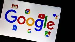 Les logos de Google et de ses services en ligne. (ALEXANDER POHL / NURPHOTO / AFP)