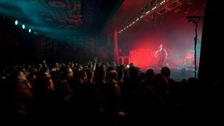 Le concert d'Izïa, à l'Espace Julien de Marseille, le 10 mars 2020. (ROBERT GEOGES / MAXPPP)