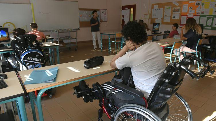 Dans une classeau collège-lycée Elie Vignal à Caluire-et-Cuire dans le Rhône,le1er septembre 2016 (photo d'illustration). (PHILIPPE DESMAZES / AFP)