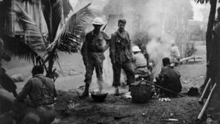 Militaires français lors de la répression de l'insurrection à Madagascar en 1947. (AFP)