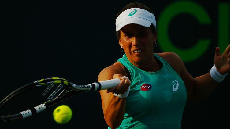 Irina Falconi a dominé Manon Arcangioli en deux sets