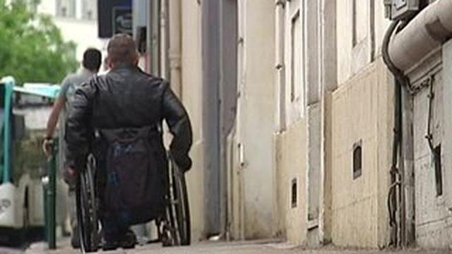Loi accessibilité : le ras-le-bol des handicapés