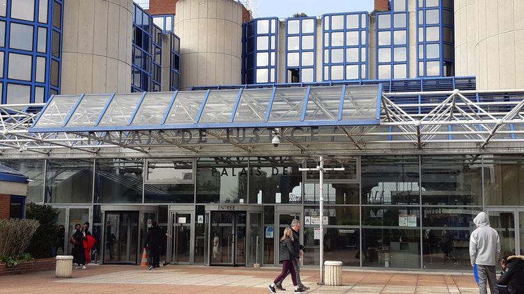 Le tribunal de grande instance de Bobigny, en Seine-Saint-Denis, le 27 mars 2019. (SUZANNE SHOJAEI / FRANCE-BLEU PARIS)