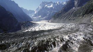 Le glacier de la mer de glace, en haut de Chamonix, en 2013. (BARBERON-ANA / ONLY FRANCE / FRANCE)