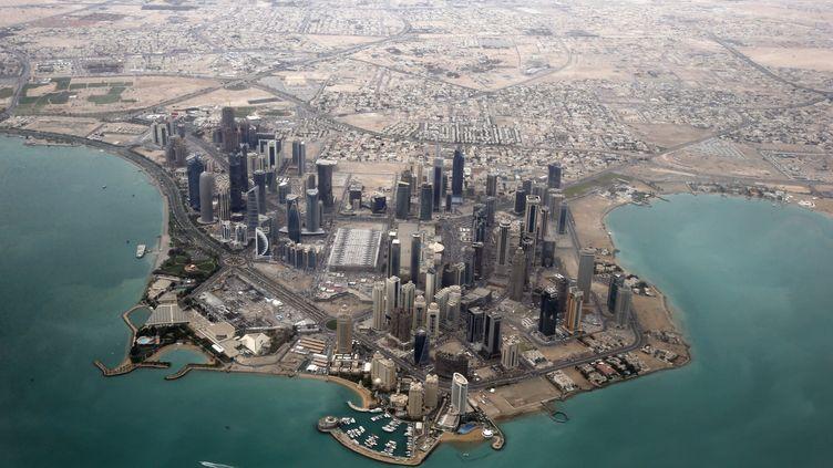 Vue aérienne du quartier des affaires de Doha, la capitale du Qatar, le 21 mars 2013. (FADI AL-ASSAAD / REUTERS)