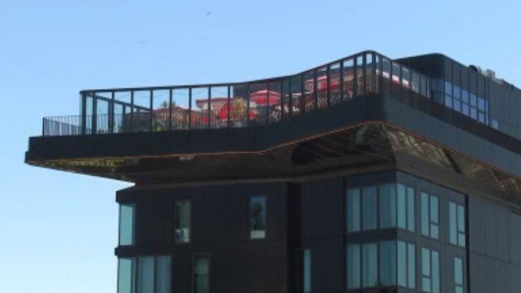 Un rooftop à Paris (capture écran reportage France 3) (FRANCE 3)