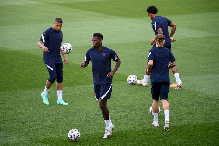 Les Bleus à l'entraînement au stade Nandor de Budapest, le 22 juin (FRANCK FIFE / AFP)