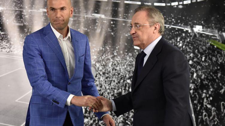 Zinedine Zidane et le président du Real Madrid Florentino Perez