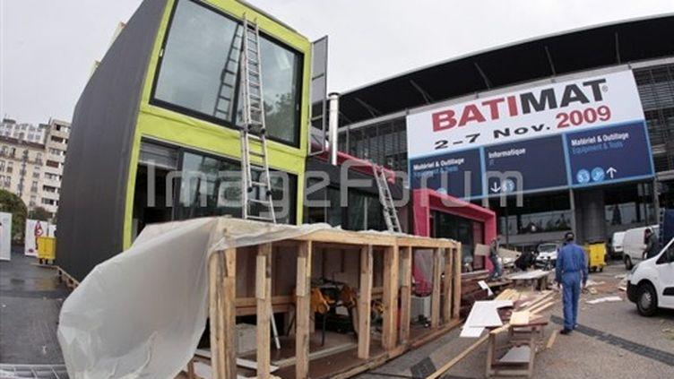 """Le salon international de la construction, Batimat, consacre sa 27e édition au """"bâtiment qui fait peau neuve"""". (© AFP)"""