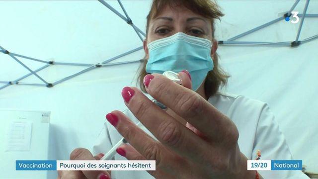 Covid-19 : pourquoi certains soignants hésitent-ils à se faire vacciner ?