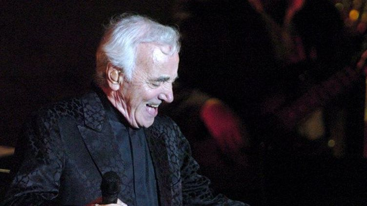 Charles Aznavour au festival de Carthage en Tunsie, le 21 juillet 2008 (FETHI BELAID / AFP)