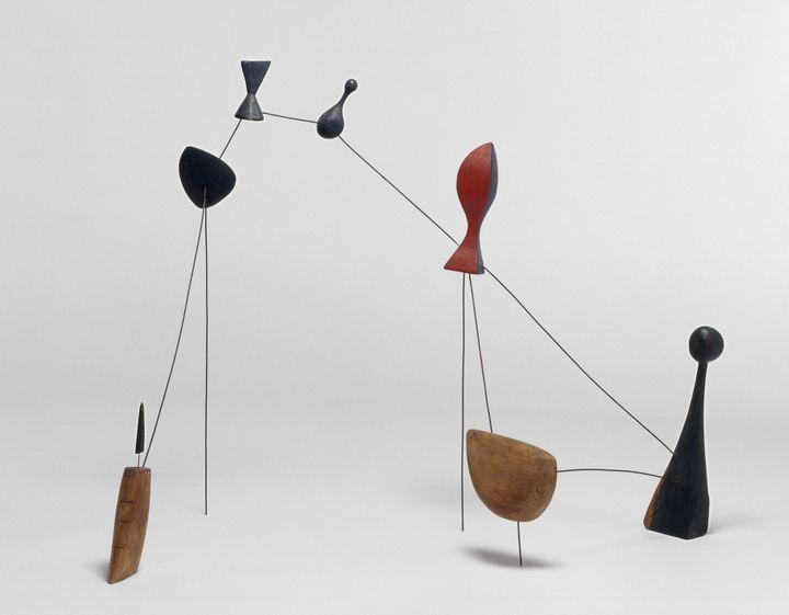 """Alexander Calder """"Constellation biomorphisme""""1943 (©Calder Foundation New York / ADAGP, Paris Localisation : Paris, Centre Pompidou - Musée national d'art moderne - Centre de création industrielle Photo ©Centre Pompidou, MNAM-CCI, Dist. RMN-Grand Palais / Philippe Migeat)"""
