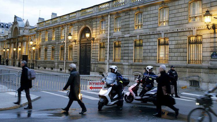(La policière a été renversée à l'angle de la rue de Duras et de la rue du Faubourg Saint-Honoré © MAXPPP)