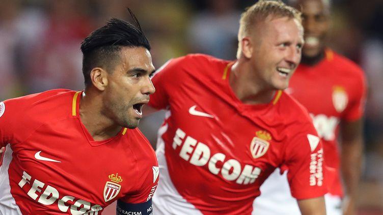 Un doublé pour Falcao et un but pour Kamil Glik dans la victoire de Monaco face à Marseille. (VALERY HACHE / AFP)