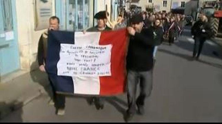Capture d'écran de la marche en hommage aux agriculteurs qui se sont suicidésen France,Charroux (Vienne),Le 26 février 2016 (FRANCE 3)