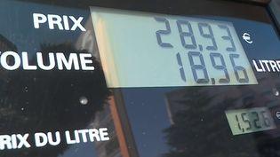 La ministre de la Transition écologique, Barbara Pompili, a promis mardi 12 octobre que le gouvernement agira sur la hausse des prix du carburant. (CAPTURE D'ÉCRAN FRANCE 3)