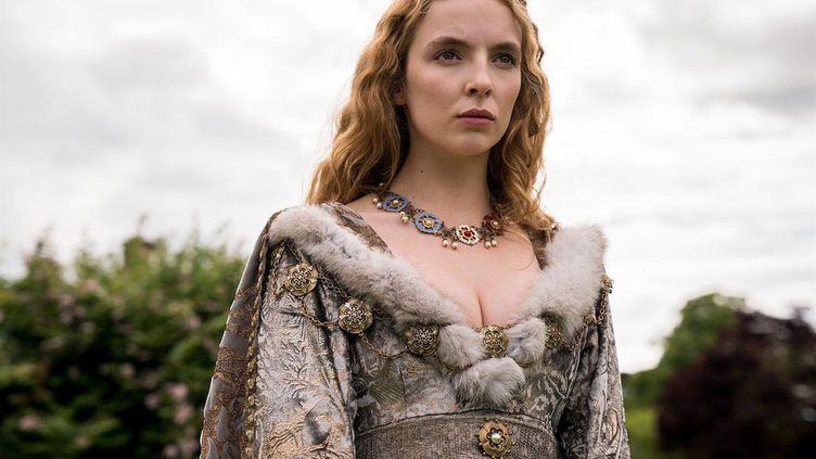 Connue pour son rôle de tueuse en série dans Killing Eve, l'actrice britannique Jodie Comer incarne Elizabeth d'York dans The White Princess. (Starz)