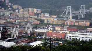 Un viaduc de l'autoroute A10 s'est effondré à Gênes (Italie), le 14 août 2018. (REUTERS)