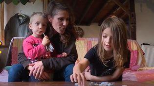 Installée dans la Creuse avec ses enfants,cette mère de famille trouve la décision du chef de l'Etat injuste. (France 3 Limousin)