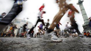 Quelque 50 000 sportifs participeront au marathon de Paris, le 12 avril 2015. (MAXPPP)