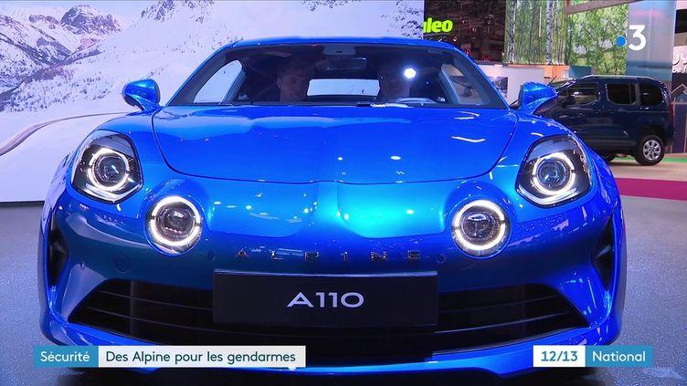 La gendarmerie va rouler en Alpine A110, un véhicule adapté pour ses missions (FRANCE 3)