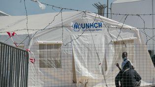 Un camp de réfugiés sur l'île de Lesbos (Grèce), le 30 décembre 2020. (NICOLAS ECONOMOU / NURPHOTO / AFP)