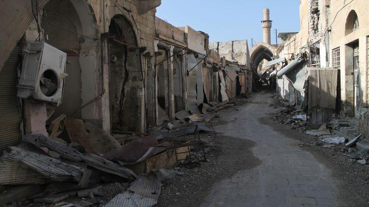 Dans une rue deDeir Ezzor (Syrie), le 6 janvier 2014. (AHMAD ABOUD / AFP)