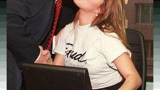 Donald Trump et Alicia Machado en janvier 1997. L'actuel candidat républicain reproche à laMiss Univers tout juste élued'avoir pris du poids. (JON LEVY / AFP)