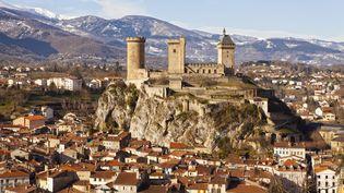 La ville de Foix (Ariège)fait son apparition parmi les communeséligibles aux aides de l'Etat pour lutter contre la pauvreté, dont la liste est présentée mardi 17 juin 2014 par Najat Vallaud-Belkacem, ministre de la Ville. (BARRERE JEAN-MARC / HEMIS / AFP)