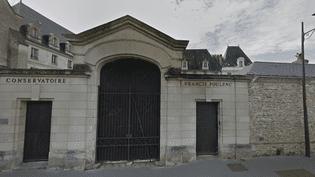 L'entrée du conservatoire national Francis Poulenc, à Tours (Indre-et-Loire). (GOOGLE MAPS / FRANCEINFO)