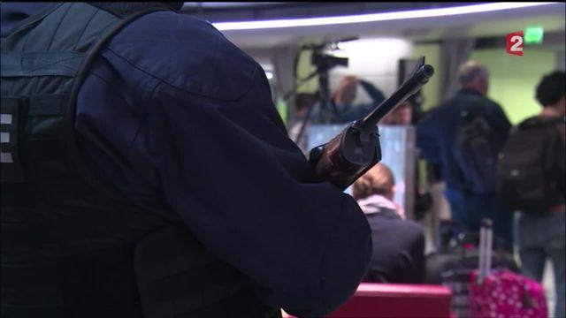 Crash du vol MS804 : à Roissy, la peur s'empare des passagers