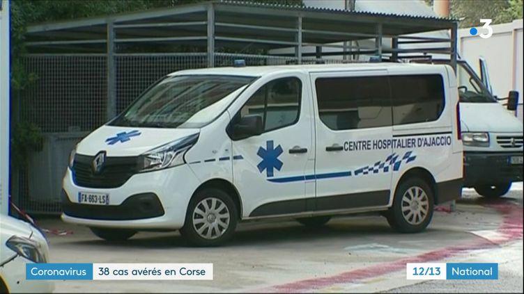 L'île de Beauté est l'un des foyers de contamination au Covid-19 avec une quarantaine de cas recensés et un décès. La région s'inquiète du plus faible équipement des hôpitaux. L'hôpital d'Ajaccio (Corse-du-Sud) a lancé le plan blanc. (France 3)