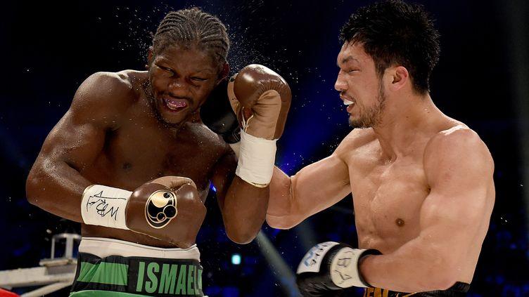 Le Japonais Ryota Murata face au Français Hassan N'Dam (TORU YAMANAKA / AFP)
