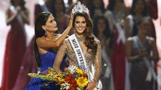 La FrançaiseIris Mittenaere a été sacrée Miss Univers, lundi 30 janvier. (ROLEX DELA PENA / EPA)