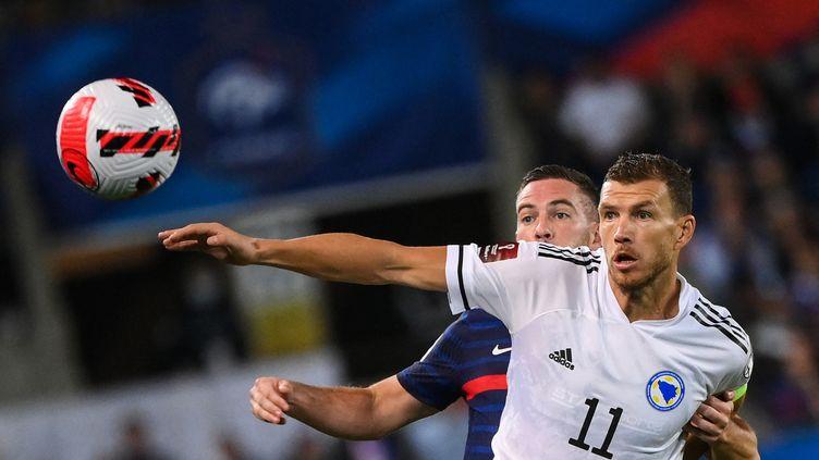 Edin Dzeko a ouvert le score pour la Bosnie Herzégovine face à la France le 1er septembre à Strasbourg. (FRANCK FIFE / AFP)