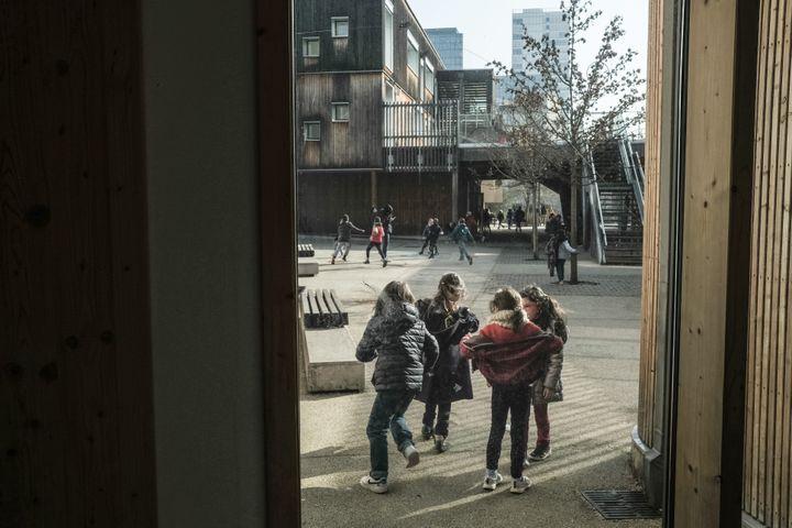 Les élèves issus d'écoles Steiner parviennent difficilement à intégrer un cursus classique par la suite. (SADAK SOUICI / LE PICTORIUM / MAXPPP)