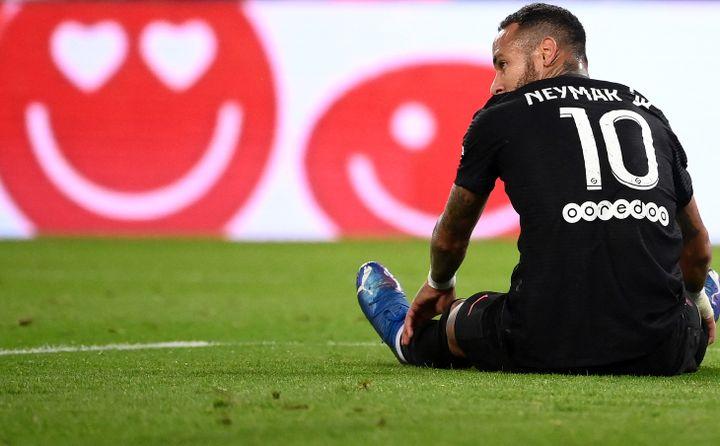 Neymar en difficulté face à Montpellier, le 25 septembre dernier. (FRANCK FIFE / AFP)