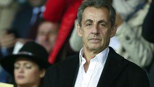 Nicolas Sarkozy assiste à un match au Parc desPrinces à Paris, le 27 septembre 2017. (BENJAMIN CREMEL / AFP)