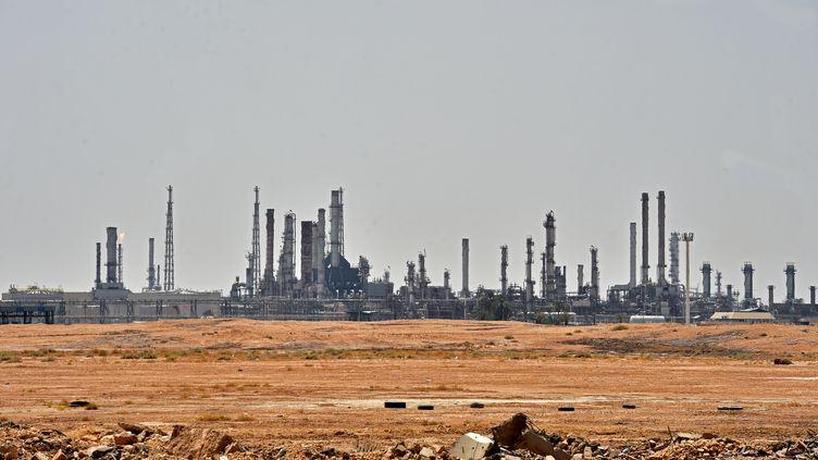 Une installation pétrolière d'Aramco, le 15 septembre 2019 au sud de Riyad, la capitale de l'Arabie saoudite. (FAYEZ NURELDINE / AFP)