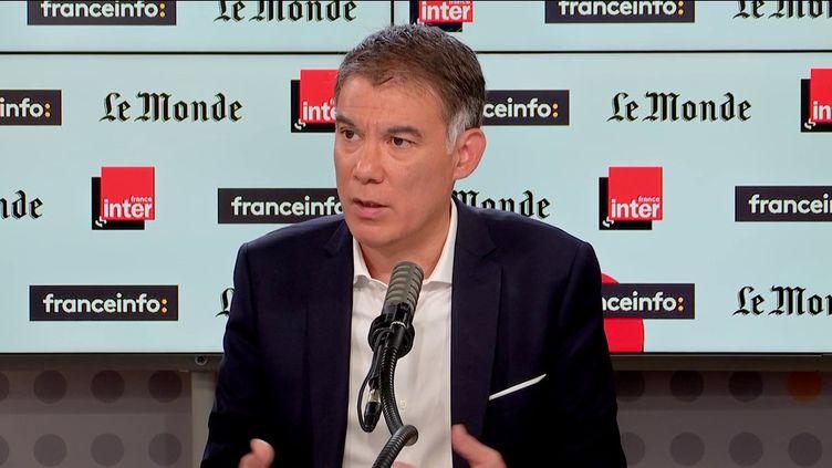 """Olivier Faure, premier secrétaire du Parti socialiste, invité de """"Questions politiques"""" le 24 octobre 2021. (FRANCEINFO / RADIO FRANCE)"""