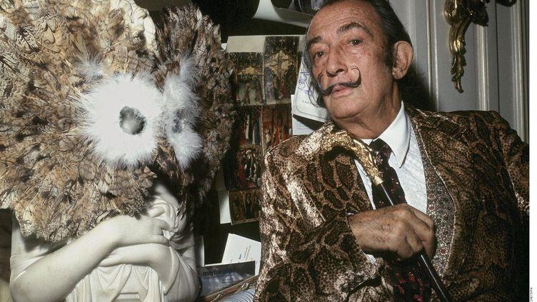 Le peintre et sculpteur catalan Salvatore Dali dans les années 1970. (GALMICHE/SIPA)