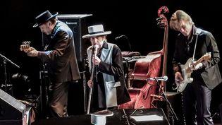 Bob Dylan (au centre) le 5 mai 2017 sur la scène du Motorpoint Arena, à Nottingham, en Angleterre  (Rex / Shutterstock / Sipa)