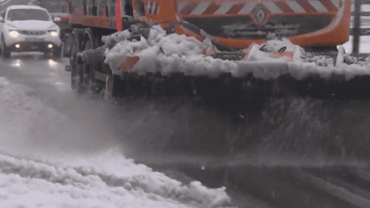 Intempéries : le Massif central sous la neige en mai (France 2)