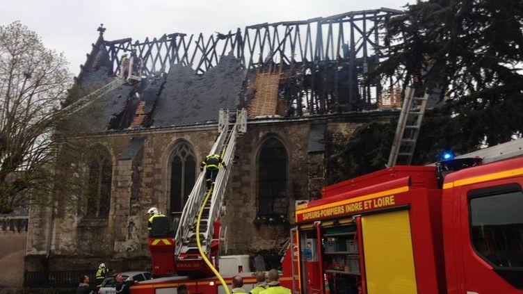 (L'église de Saint-Martin-le-Beau a été ravagée par les flammes © France Bleu Touraine)